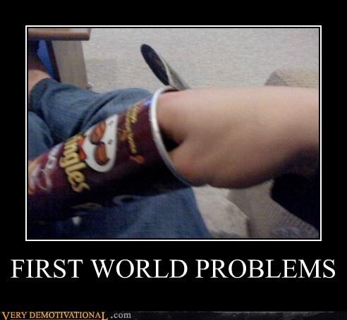 First World Problems hand hilarious pringles stuck - 5717641472