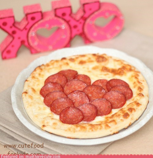 crust epicute heart pepperoni pizza sweet