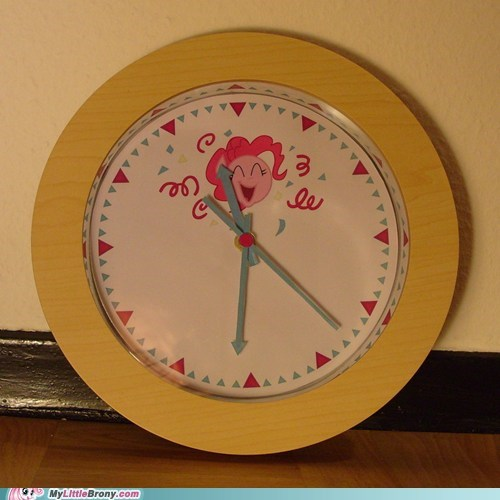 clock IRL look at the time pinkie pie telling time