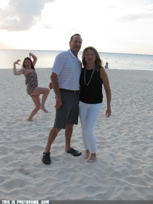 Awkward,beach,couple,do the creep,the creep