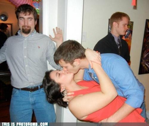 Awkward couple make out PDA - 5766661376