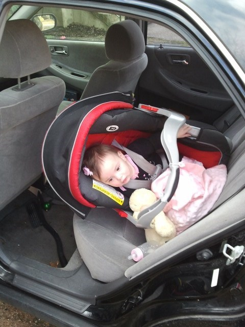 carseat dads-turn-to-drive doing it wrong - 5774655232