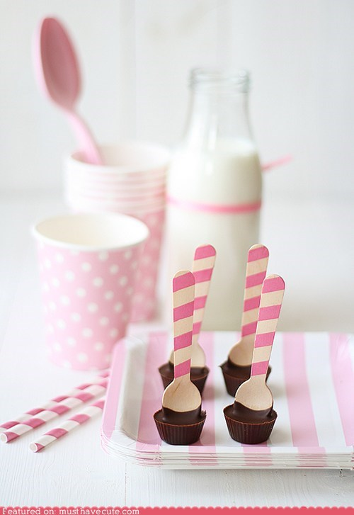 chocolate cups epicute milk pink spoons Valentines day - 5779108864