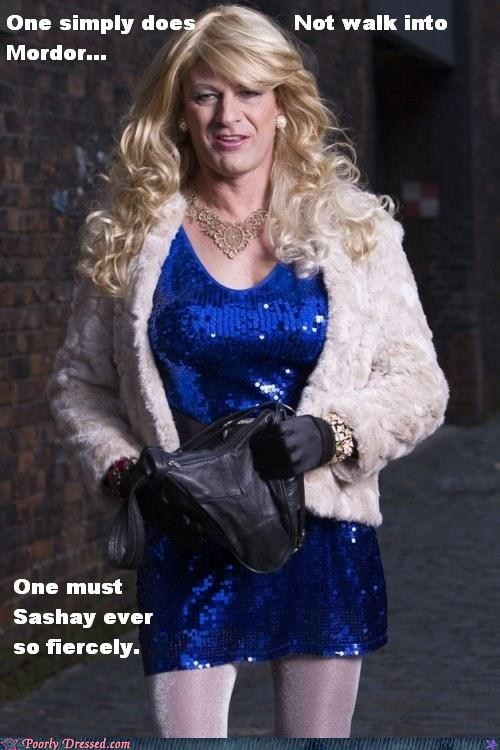 cross dressing Lord of the Rings - 5800038144