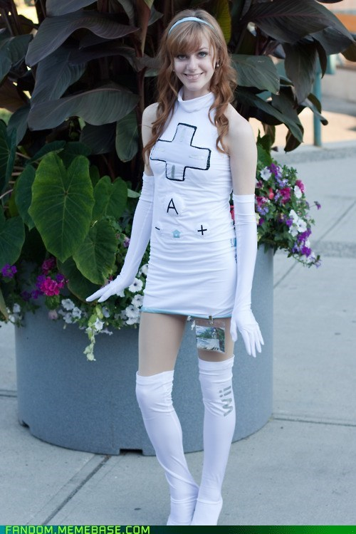cosplay,remote,video games,wii,wiimote