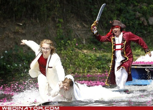 bride,funny wedding photos,groom,pirates,thailand