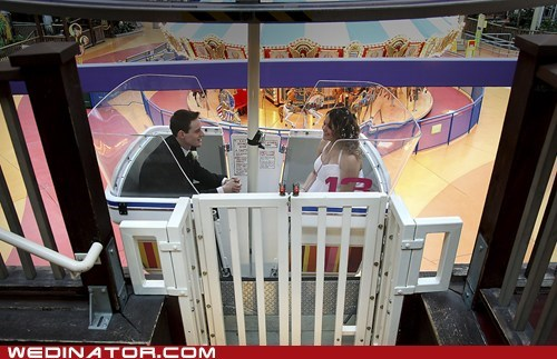 ferris wheel,funny wedding photos,mall of america,Minnesota,wedding