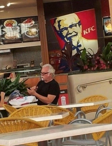 colonel-sanders-lives TLL - 5843314944