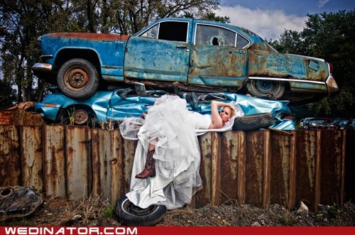 bride,cars,funny wedding photos,tires