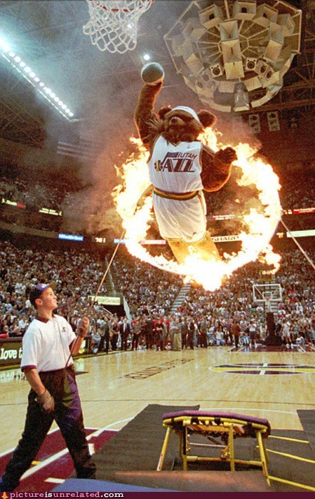 basket ball,flaming,mascot,show time,slam dunk,wtf