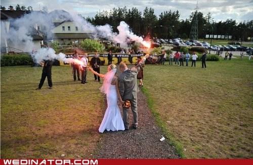 bride flares funny wedding photos groom - 5873560832