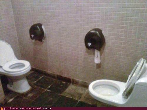 Awkward bathroom wtf - 5878225920