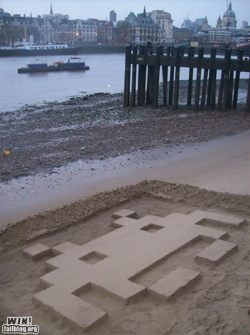 art,beach,nerdgasm,sand,space invaders