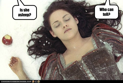 apple,asleep,expression,kristen stewart,snow white,snow-white-the-huntsman