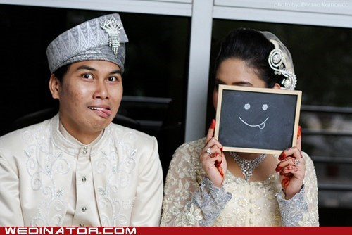 bride funny wedding photos groom smile - 5897615872