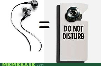 do not disturb door headphones Memes sign - 5901472000