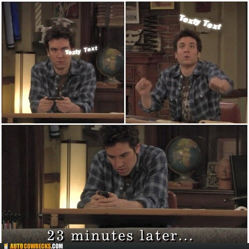 cant-think-of-what-to-text how i met your mother screencap television texty text TV - 5906940160
