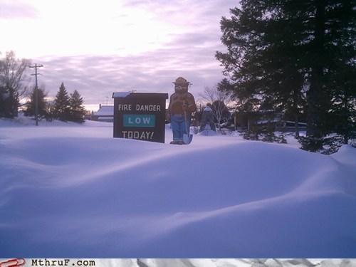 Smokey snow - 5907283712