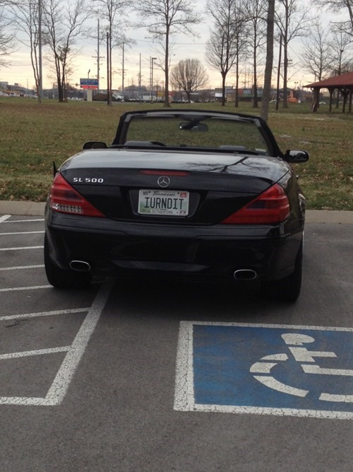 cars douchebag parkers horrible people - 5907400448