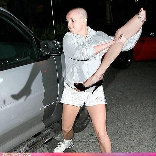 angelina-jolies-leg britney spears celeb funny shoop - 5911866624
