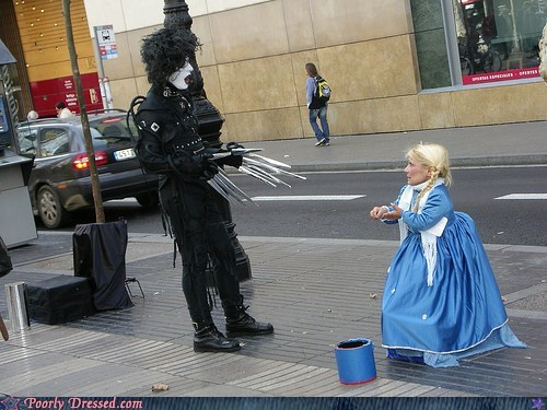 costume Edward Scissorhands midget street corner