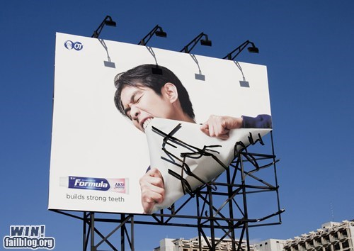 Ad advertisement billboard clever toothpaste - 5912443648