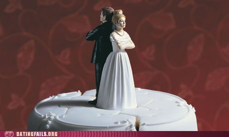 angry and fighting,marriage,not getting along,wedding cake,weddings