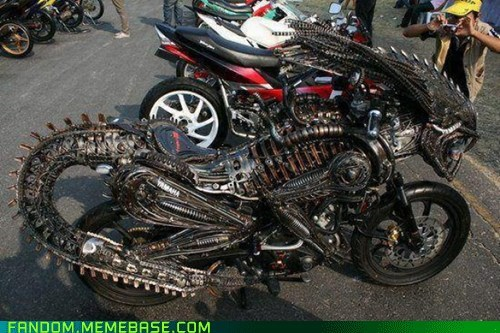 alien bike It Came From the Interwebz motorcycle scifi - 5929177344