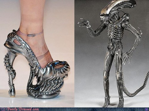 alien Aliens costume Hall of Fame metallic shoes