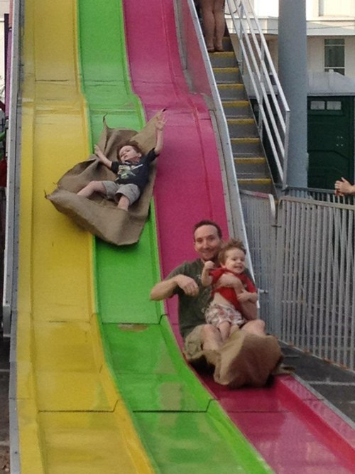 sack,slide