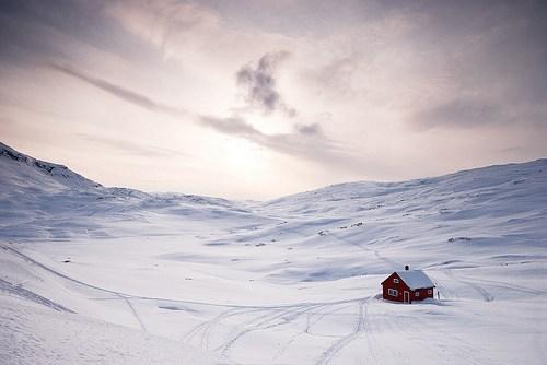 house,snow