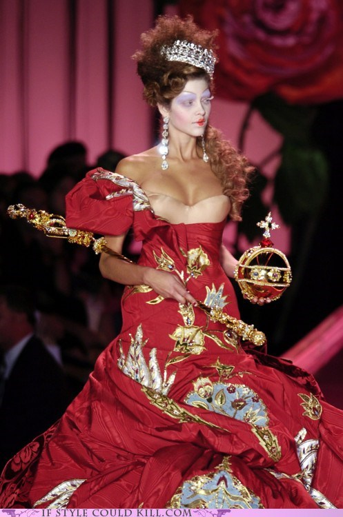 cool accessories crown Dior dress gown runway - 5987081216