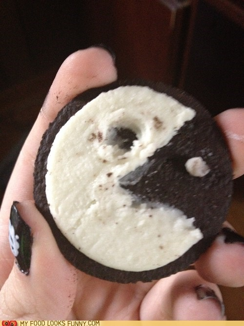 chocolate cookies cream filling oreo pac man