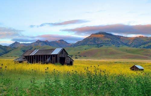 cabin,mountains,prairie
