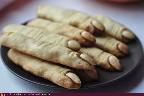 food lady fingers wtf - 6006388736