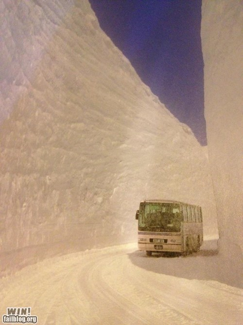 bus oh Japan snow snowfall winter