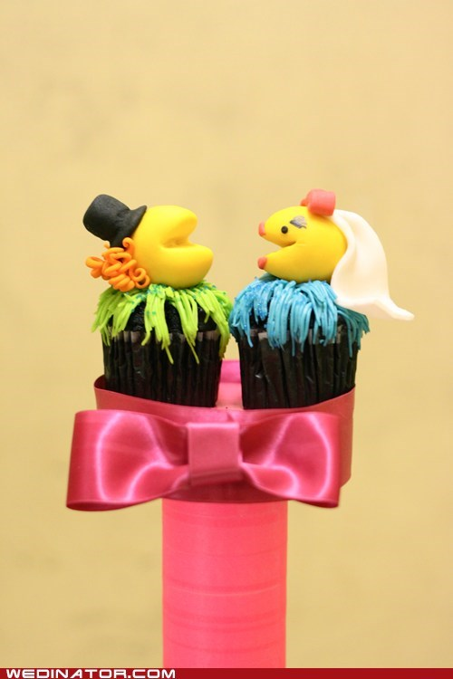 cupcakes,funny wedding photos,pac man
