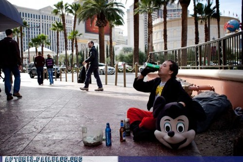 mascot,mickey mouse,suit,vegas