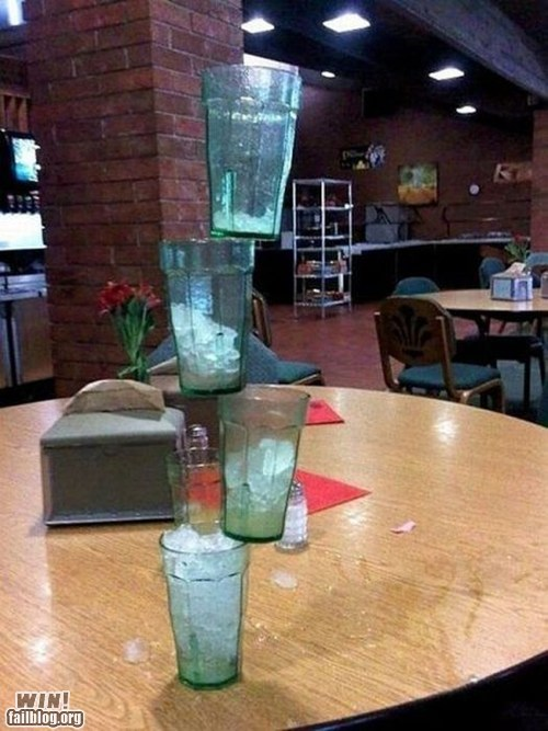 cups Gravity physics restaurant stacking