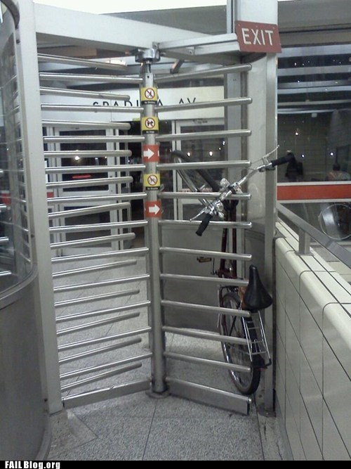 bicycle,common sense,irony,nyc,stuck