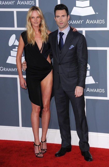adam levine,anne vyalitsyna,celeb,howard stern,maroon 5,sports illustrated,the voice