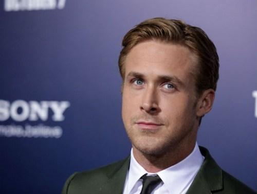 celeb,Daniel Craig,Ryan Gosling