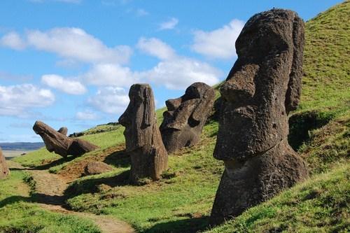 easter island,moai,rapa nui