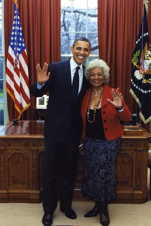 barack obama,Nichelle Nichols,tv shows,uhura,vulcan salute