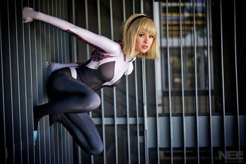 This Awesome Cosplay Will Convince You That Spider Gwen Needs a Movie