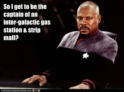avery brooks captain captain sisko gas station Star Trek strip mall unimpressed - 6110018304