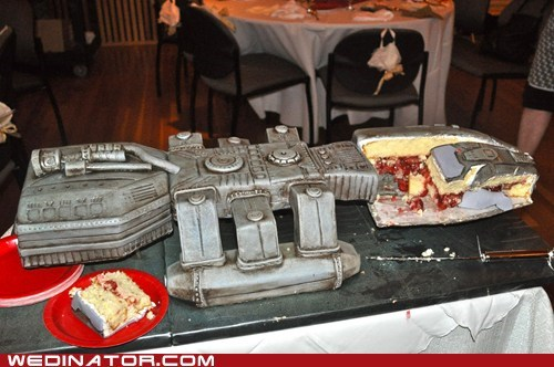 Battlestar Galactica funny wedding photos geek sci fi wedding cake
