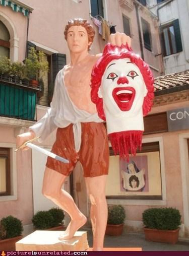 defeated fast food Ronald McDonald wtf - 6142424576