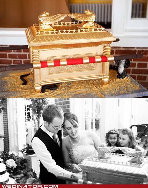 cakes,funny wedding photos,Indiana Jones
