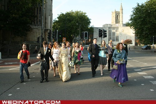 bride,funny wedding photos,groom,strangers,wedding part